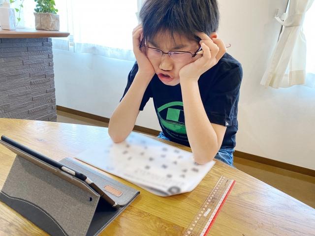 勉強嫌いの子供